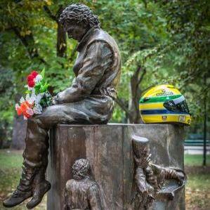 Imola Monumento a Senna (S.Ragazzini)